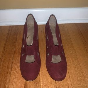 Wine red Aerosoles with a one and a half inch heel